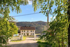 Bilde av Søndre Green gård i Krødsherad, Buskerud, hvor kunstneroppholdet AiR Green finner sted
